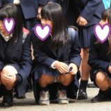 【Pcolle】集合写真で美少女JKの座りパンチラをゲット!