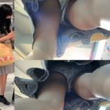 【Pcolle】マスクJKのパンツ盗撮したら、まさかのスヌーピー!?