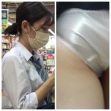 【Pcolle】青チェJK、駅で粘着撮り!スカートめくりで白パン丸見え!